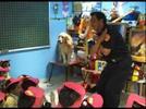 Marioneta enseña a niños a prevenir accidentes con fuego